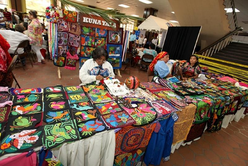 Inauguraci n feria nacional de la mujer rural en atlapa for Feria de artesanias 2016