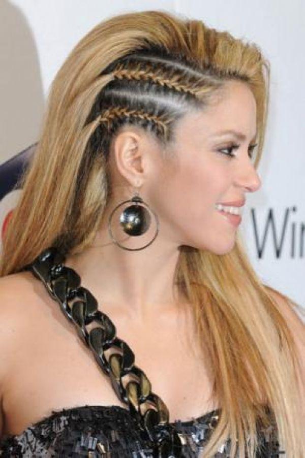 Diferentes versiones peinados con trenzas africanas Galería de cortes de pelo Consejos - Trenza africana lateral tendencia en peinados 2013 ...