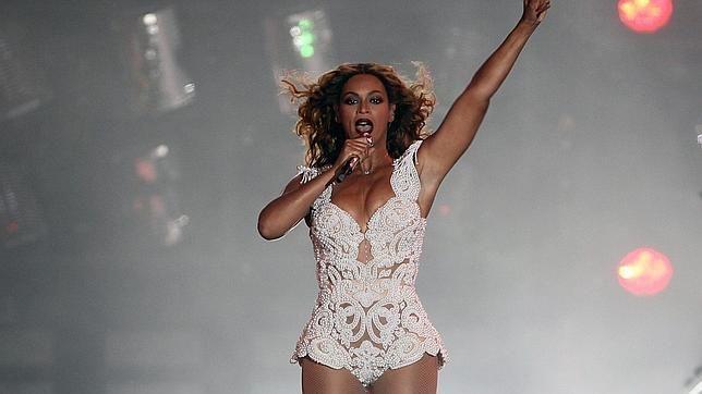 Beyoncé publica atrevidas fotos en bikini ~ Hot Latin Music.net