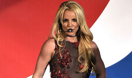 Britney Spears en el festival B96 Pepsi Jingle Bash
