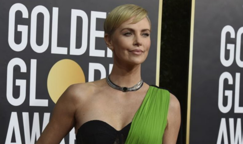 Charlize Theron luciendo espectacular en 2020