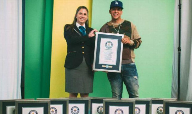 Daddy Yankee recibe 10 récord Guinness