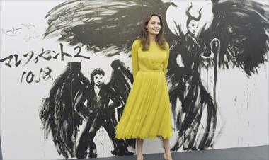 /spotfashion/angelina-jolie-con-su-look-de-realeza-a-lo-kate-middleton/89133.html