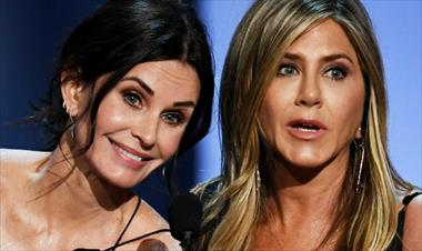 /spotfashion/courteney-cox-copia-el-outfit-de-jennifer-aniston-con-motivo-de-su-cumpleanos/89922.html