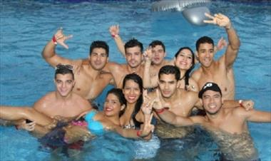 /vidasocial/fotos-pool-party-domingo-6-de-octubre/22399.html