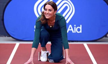 /spotfashion/kate-middleton-luce-sus-zapatillas-low-cost-de-marks-spencer/89978.html