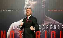 Conor McGregor golpeo en el rostro a adulto mayor
